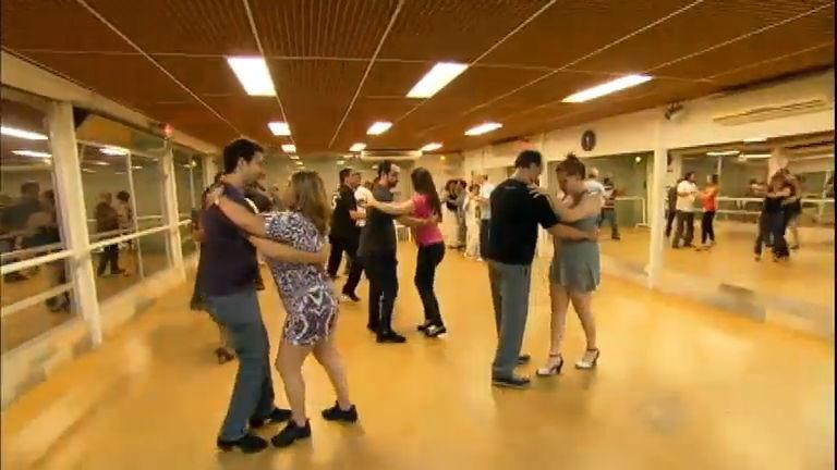 Série do JR mostra que o segredo da felicidade pode estar na dança