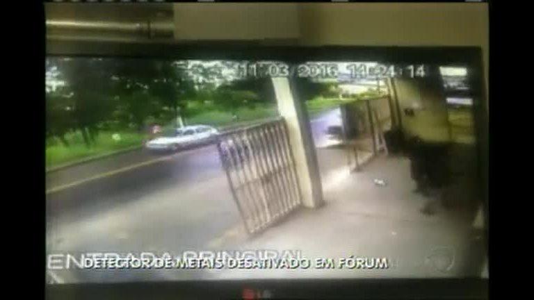 Fóruns em Ribeirão das Neves estão sem detectores de metais ...