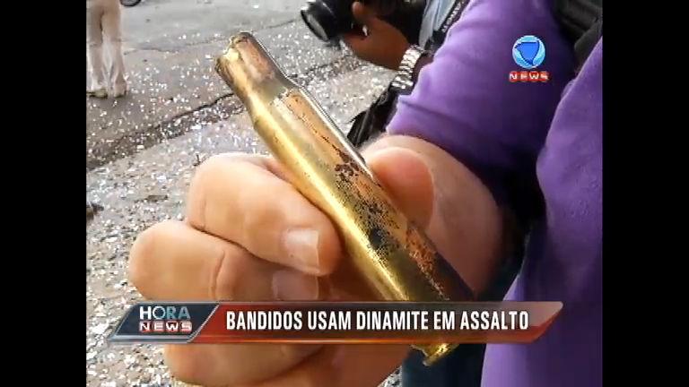 Quadrilha promove assalto cinematográfico e aterroriza bairro em ...