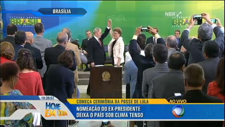 Lula assume o Ministério da Casa Civil, em Brasília