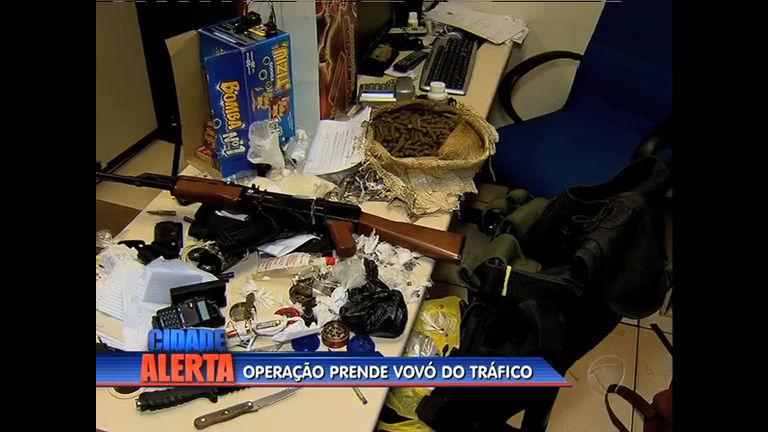 Operação policial de combate ao tráfico prende três na Vila Aliança ...