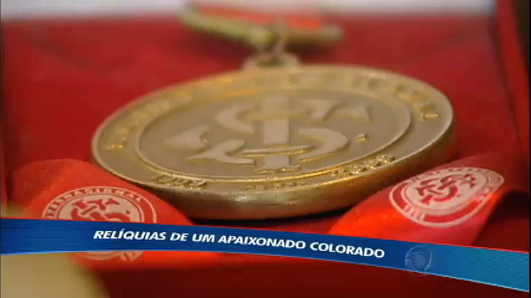 Torcedor colorado mostra relíquias do Internacional e paixão de ...