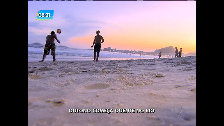 Outono começa quente e cariocas espantam o calor nas praias ...