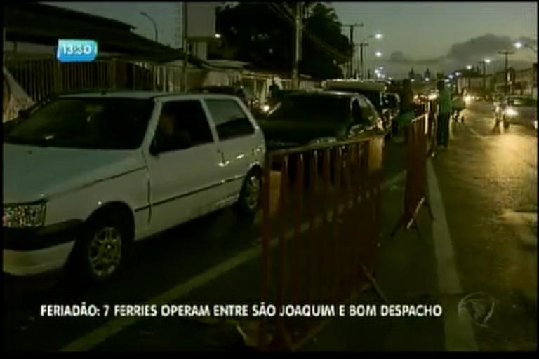 Feriadão: 7 ferries operam entre São Joaquim e Bom Despacho