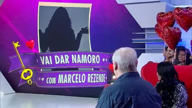 Marcelo Rezende tenta desencalhar no quadro Vai Dar Namoro ...