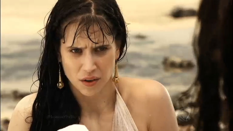 Dalila fica desconfiada de Sansão - Rede Record