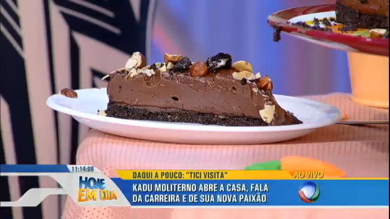 Dalton Rangel ensina a fazer deliciosa torta de chocolate