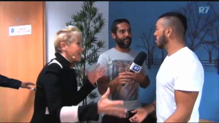 """Xuxa fica """" trancada"""" em camarim com Gigantes do Samba enquanto ..."""