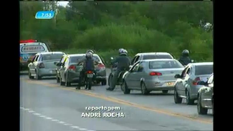 Acidentes e estradas movimentadas marcam a volta do feriado em MG