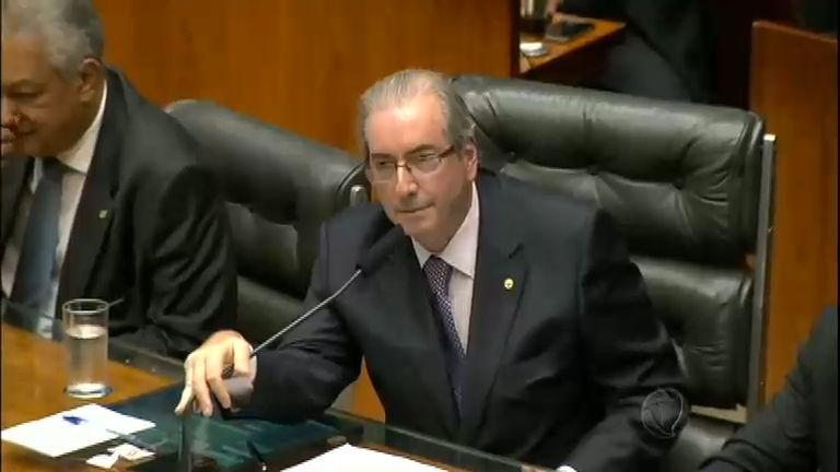 Eduardo Cunha usa mais uma manobra para tentar salvar o mandato