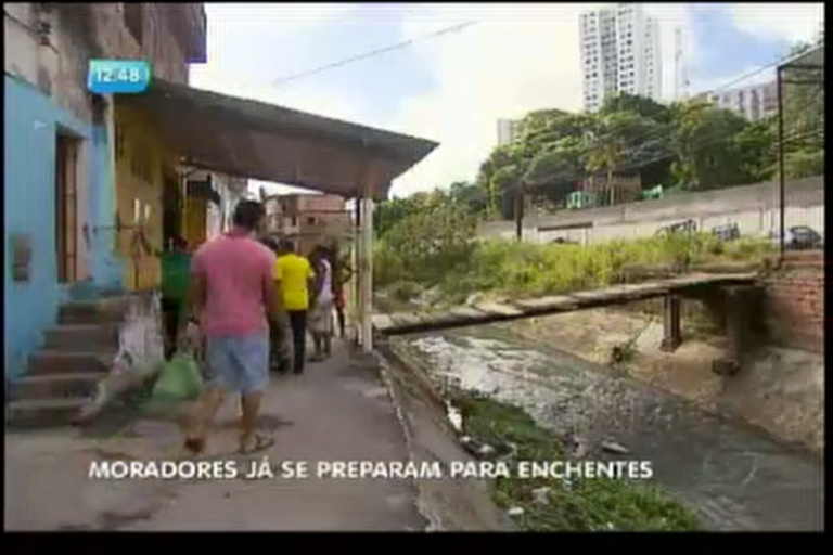 Moradores já se preparam para enchentes