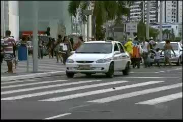Taxistas são contra vinda do Uber para Salvador