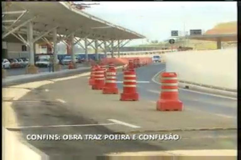 Obra leva poeira e confusão para aeroporto de Confins - Minas ...