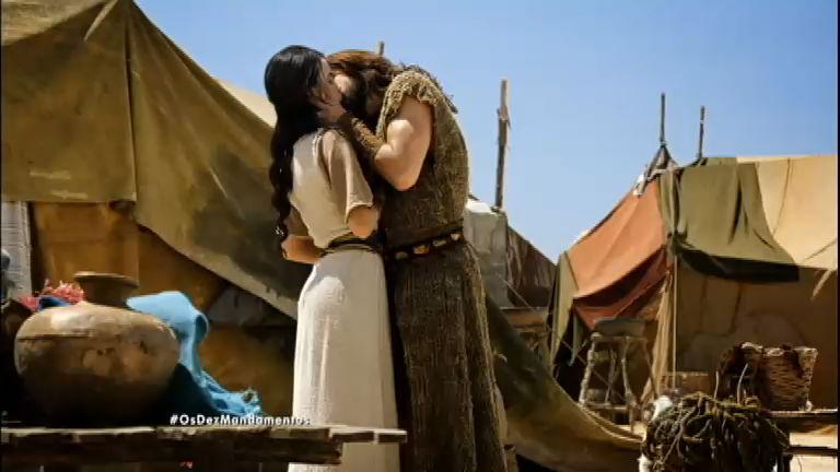 Nadabe diz que está apaixonado e beija Damarina - Entretenimento ...