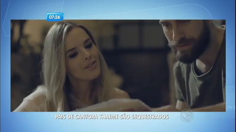 Pais da cantora Thaeme são feitos reféns e casa é roubada no Paraná