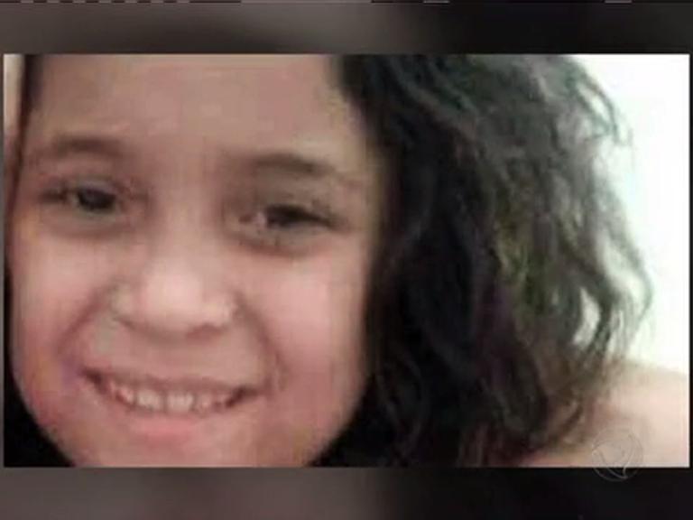 Corpo de menina morta por tiro na Rocinha é enterrado na zona sul ...
