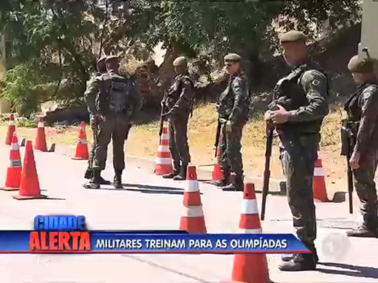 Rio 2016: militares fazem treinamento para garantir segurança no ...