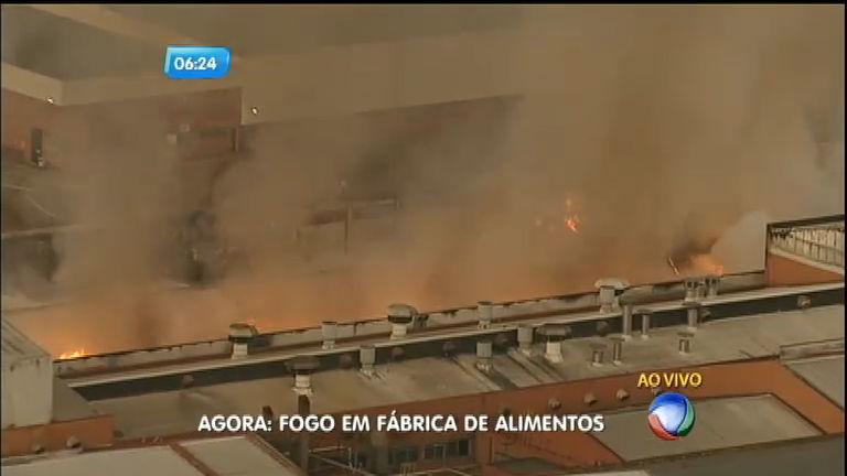 Fábrica de alimentos pega fogo em Ibiúna (SP) - Notícias - R7 ...