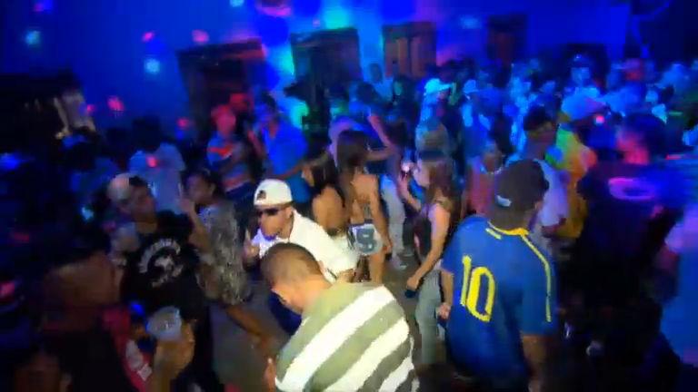 Repórter Record Investigação invade baile funk e mostra tudo o que ...