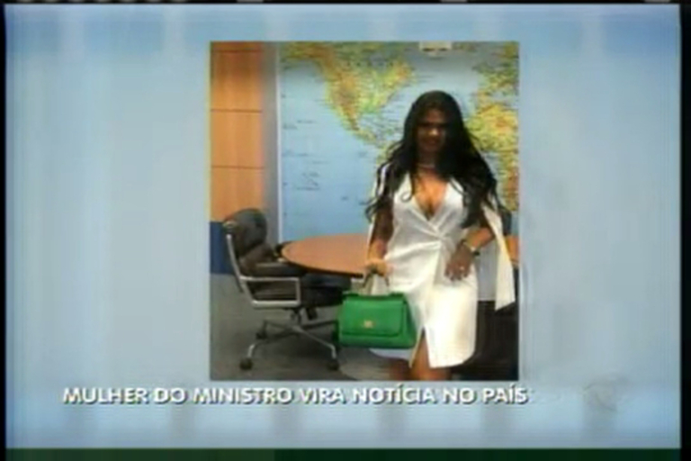 Hora da Venenosa: mulher de ministro faz fotos ousadas dentro do ...