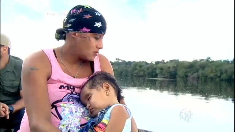 Sobrevivente dos rios, ribeirinha conta com a ajuda dos médicos ...