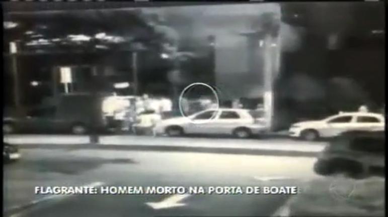 Imagens mostram assassino atirando em vítima durante briga em ...