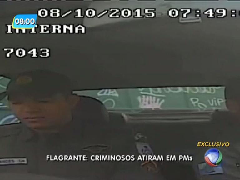 Câmeras de viatura da PM registram ataque de criminosos na zona ...
