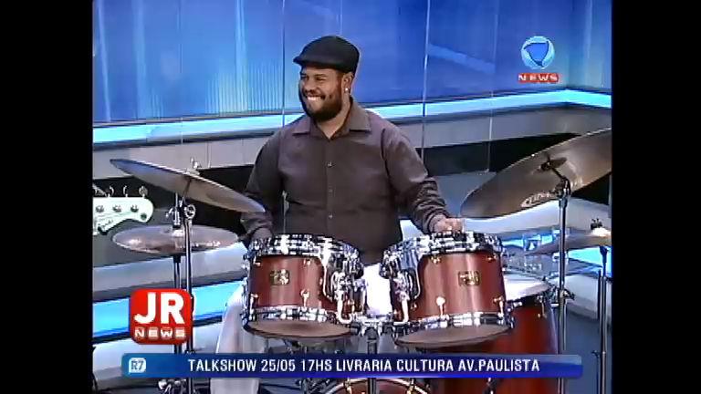 JR News Talentos recebe Rodrigo Digão - Record News - R7 Jornal ...