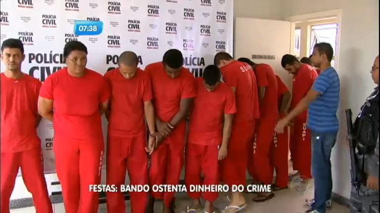 Polícia prende quadrilha que ostentava dinheiro do crime em bailes funk