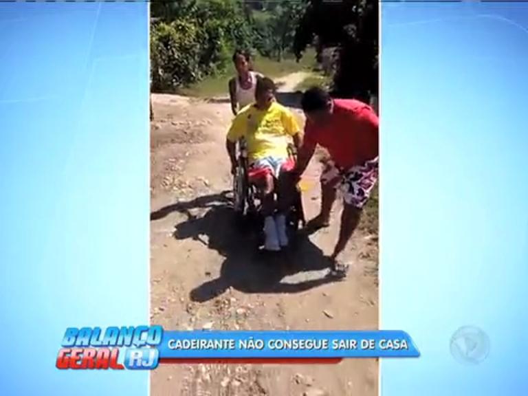 Cadeirante enfrenta dificuldades para sair de casa em zona rural de Maricá