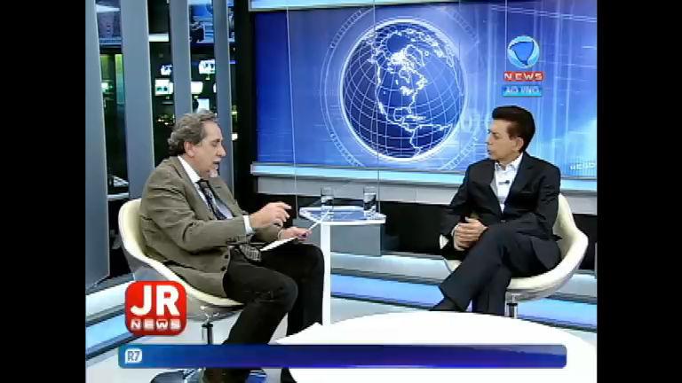 Nirlando Beirão discorre sobre o parlamentarismo em conversa com Heródoto Barbeiro