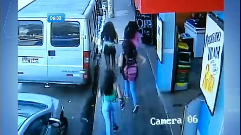 Adolescentes são suspeitas de assaltar estudantes em Varginha (MG)