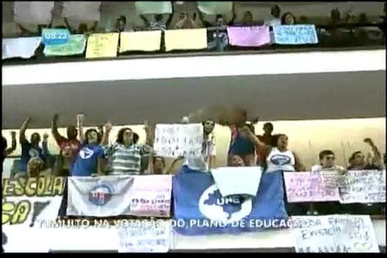 Tumulto na votação do plano de educação