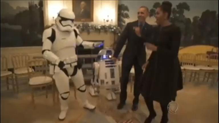 Barack Obama dança com personagens de Star Wars - Notícias ...