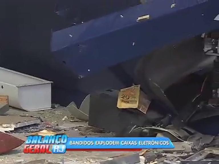 Criminosos explodem caixas eletrônicos em São Gonçalo - Rio de ...