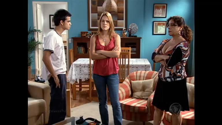 Margareth e Andressa brigam por causa de Demoro