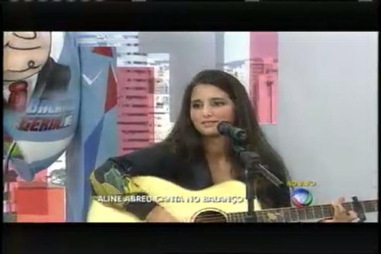 Aline Abreu canta suas composições ao vivo no Balanço Geral MG