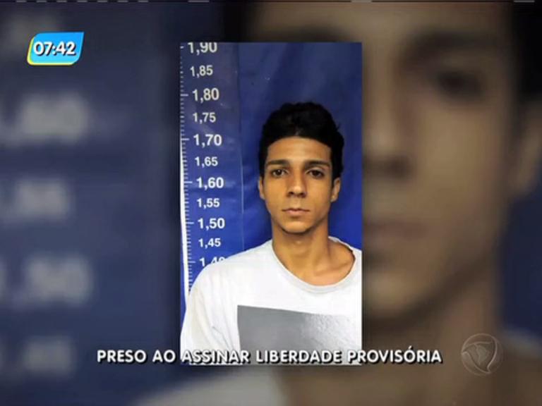 Suspeito de assaltar comércio é preso ao assinar liberdade provisória