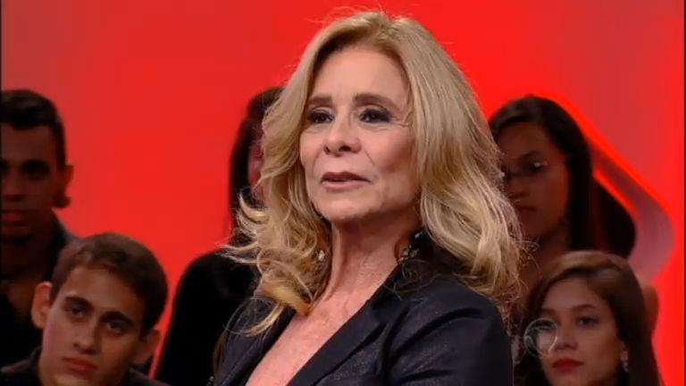 Pergunta +: Nadja Winits diz se toparia posar nua aos 62 anos de ...