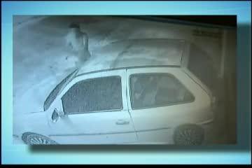 Homem é flagrado destruindo veículo em Camaçari - Bahia - R7 ...