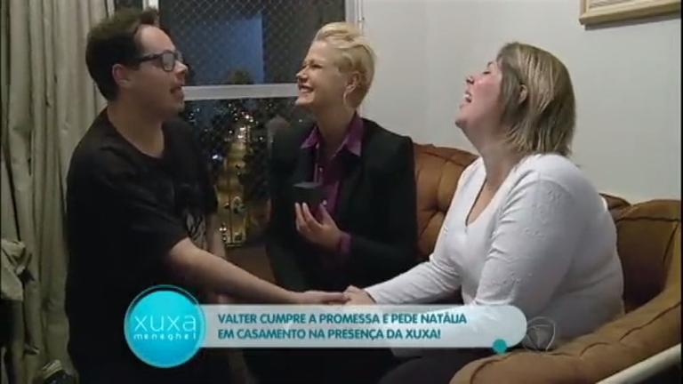 Toc Toc: jovem é pedida em casamento na frente de Xuxa ...
