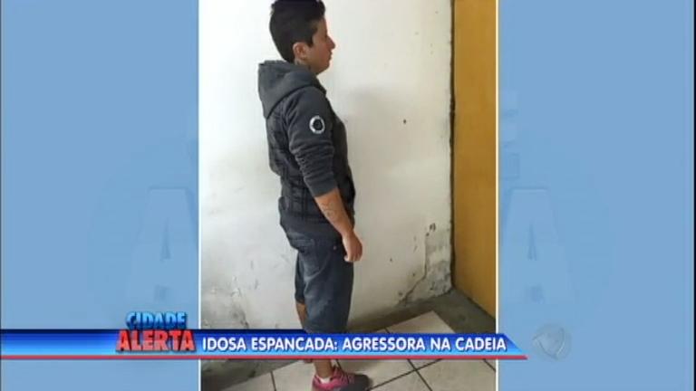 Mulher que espancou idosa durante assalto é presa em São Leopoldo (RS)
