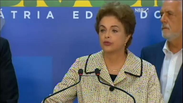 Dilma Rousseff grava pronunciamento de despedida para as redes ...