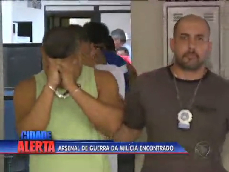Polícia prende 11 suspeitos de envolvimento com milícia na baixada