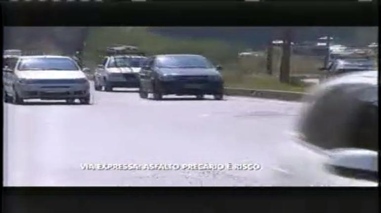 Asfalto da Via Expressa pede socorro e motoristas reclamam do ...