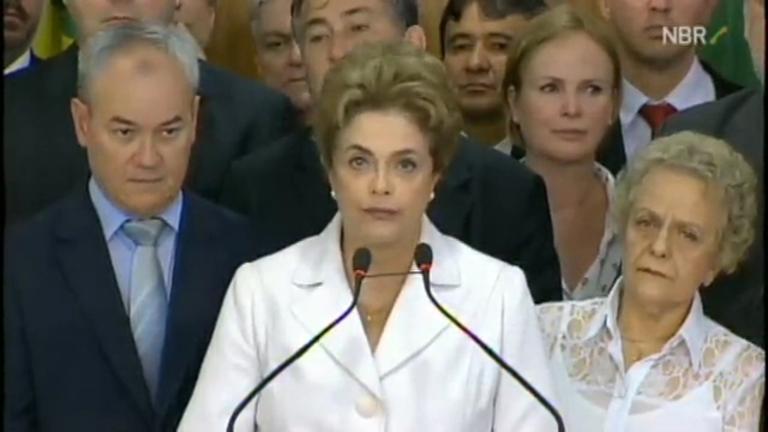 Após ser afastada da presidência, Dilma Rousseff faz ...