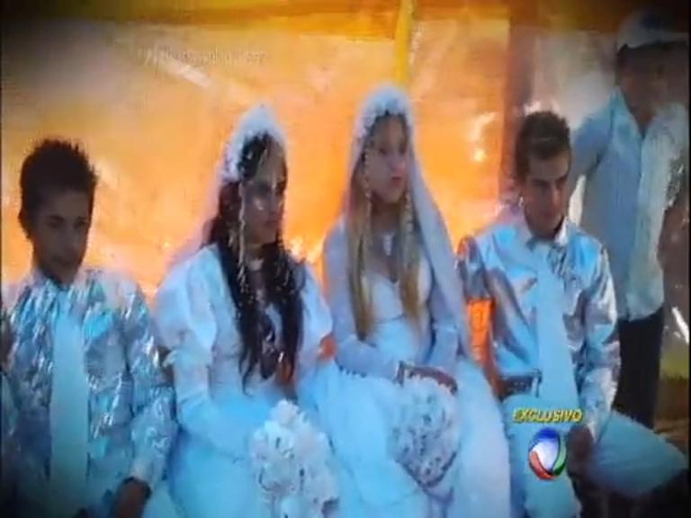 Ainda na infância, meninas ciganas tem casamento arranjado pelos ...