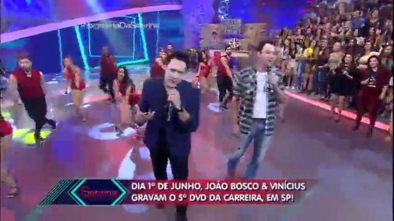 João Bosco e Vinicius cantam sucesso Amiga Linda ...