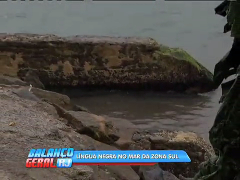 Flagrante: água escura é despejada na praia do Leblon - Rio de ...