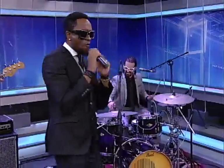 Banda Serial Funkers se apresenta no JR News Talentos - Record ...